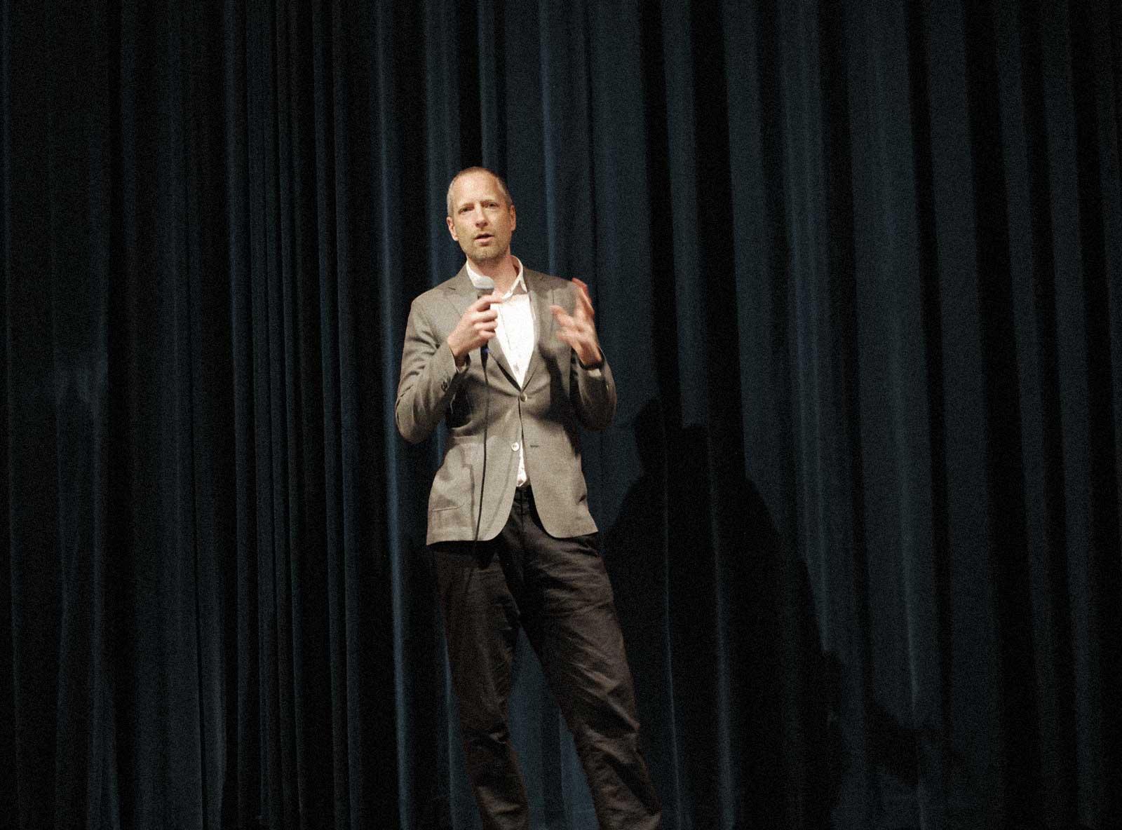 Carl Sundevall föreläser om missbruk och alkohol