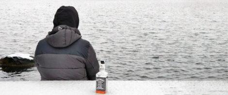 Person som är medveten om att hen dricker för mycket alkohol
